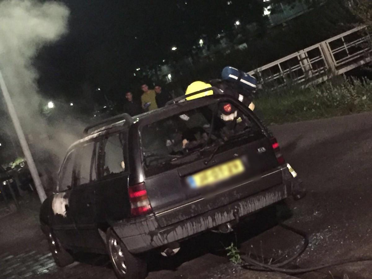 06-08-2016 Autobrand Pal Maleterweg met de Solidarnoscstraat Haarlem