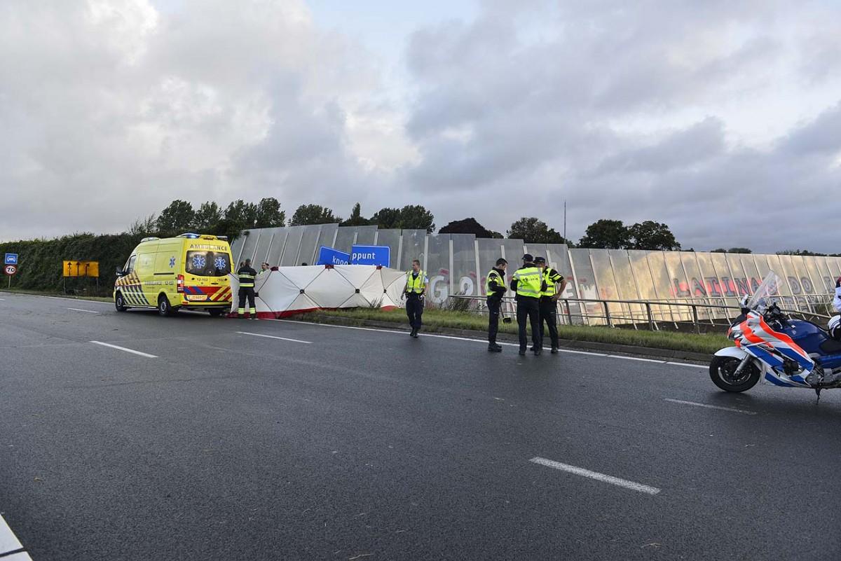 04-09-2016 Motorrijder overleden na ongeval op de Drie Merenweg